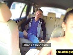 Splendida in taxi Babe avvitato da passeggeri