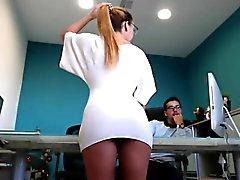 ilahi bir eşek ile Slutty sarışın sekreter harikası sunar