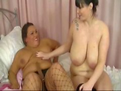 2 plump girlfriends lick each other cunt & fuck