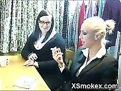 Explícita de fumadores Adolecente Porno XXX