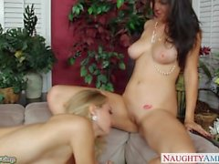 Bisexual Natalia Starr fuck in threesome