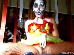 Shaye ha Rivers Halloween del pagliaccio Masturbazione