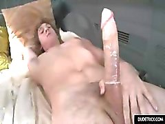 Hot twink har sin första gay upplevelse