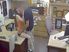 Propriétaire de la boutique de Sociétés offrant enregistre caché deal de webcams