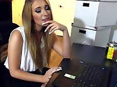 CFNMTEENS - Perguntado Minha Secretária loura quente do para um blowjob