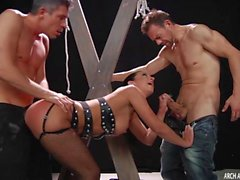 Jada Stevens gets a hard double penetration