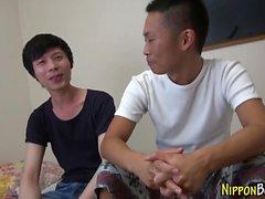 Gay японский подросток сосет