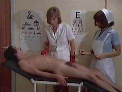 Serviço de enfermeira para menino