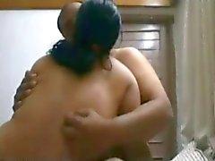 Coppie indiane di baci appassionati su Live Cam-- Di Sanjh
