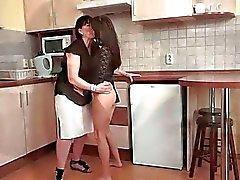 Abuelas y las Young Girls Pussy Licking Compilación de