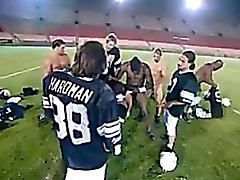 Cheerleader Banda sbattuto da una squadra di calcio L'intera
