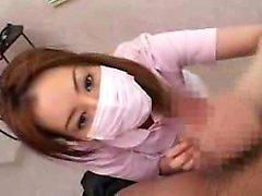 Masked Japanese Babe nimmt eine lange Stange zum Orgasmus mit ihrem ha