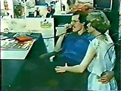 Danesas Peepshow bucles ciento cuarenta y seis años 70 y 80 - escena de 2