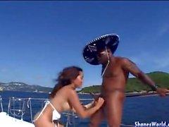 Гидромассажная ебать для азиатского грелка событие на яхте