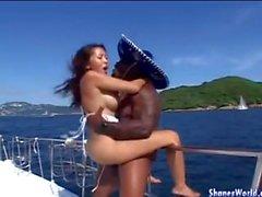 Het inlägget Fuck för Asien Hotty på över Yacht