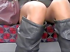 D'Upskirt Asian vulve sur London Underground