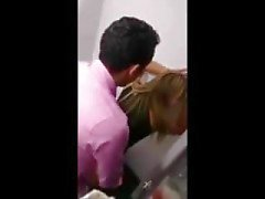 Arab fucks vitt är teen på toalett