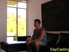 Gaycastings acenta gelecekteki dövme müşteri borları kaslı