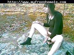 Tranny pissing outdoors