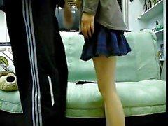 amici coreani coppia che ha sesso sul sofà 2