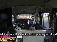 Nainen Fake Taxi British espanja Lesbo Pussy nuoleminen