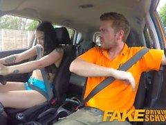 Falso Driving School Gamer bebês bichano coberto em cum depois boquete