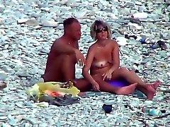 foder praia de madura sobre das rochas !!!!