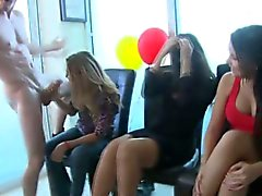 Amateur Babes de gorges profondes at Party