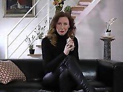 Brit tacón madura apisonada