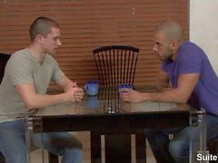 Seksuaalinen horny gay Anthony Romeron ja Austinin Wilde naimassa aasit