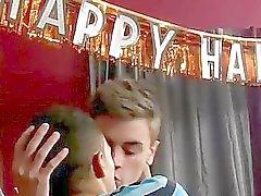 Homosexuell Sex baden Emo- Freunden Ryan Daley oder Robbie Antonius werden Reihung