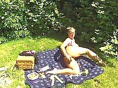 Masturbation dans un jardin public et de l'espoir de se coincer