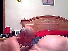 Yatak odasında harika bir eğlenceli yapıyorduk büyükbabalar
