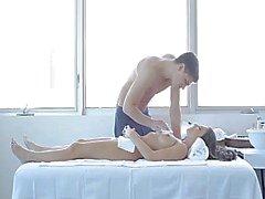 masaje erótico caliente para una muy bonito la muchacha de 18yo