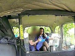 La enfermera cliente Kinky dura polla de las un controlador falsas públicas
