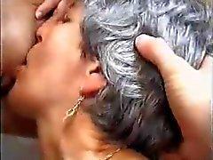 Oude en Jonge Hot Lesbians door TROC