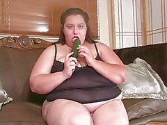 bbw lonely wiht her big vegetable