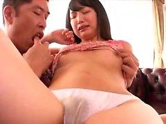 Amador Toyer brinca asiática em casa