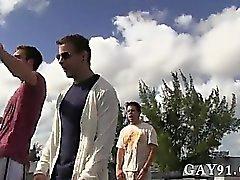 Gay twinkar Tja denna killar verkar känna svaret på det