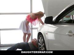 DaughterSwap - bumsen Unsere Dads ein Auto zu bekommen