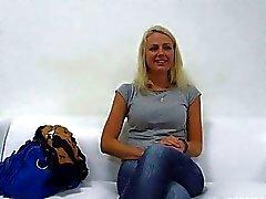 Di Beaty bionda bella di Jana scopata Interviste