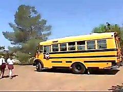 L'écolière d'autobus Fuck!