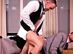 Muskelsohn Oralsex mit Cumshot