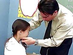 InnocentHigh Öğretmenliği sıska Asyalı gençleri beceriyor ti