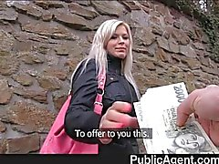 PublicAgent - Bionda scopata nei bagni pubblici