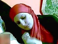 Egyptin hijabia imevän munaa