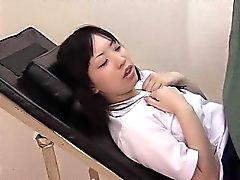 Adorabili ragazze giapponesi amano di mettere le twats pelose deepl