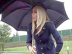 Stewardess blondinette route bj n claquements