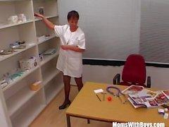 Mulheres maduras enfermeira Meias Sexy escritório fodido Dois Doctor