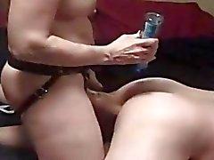 Strapon Lesbians Obtenez la cornée à domicile